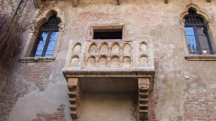 juliet-balcony-verona-weddings.jpg