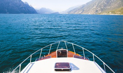 wedding-boat-lake-garda.jpg