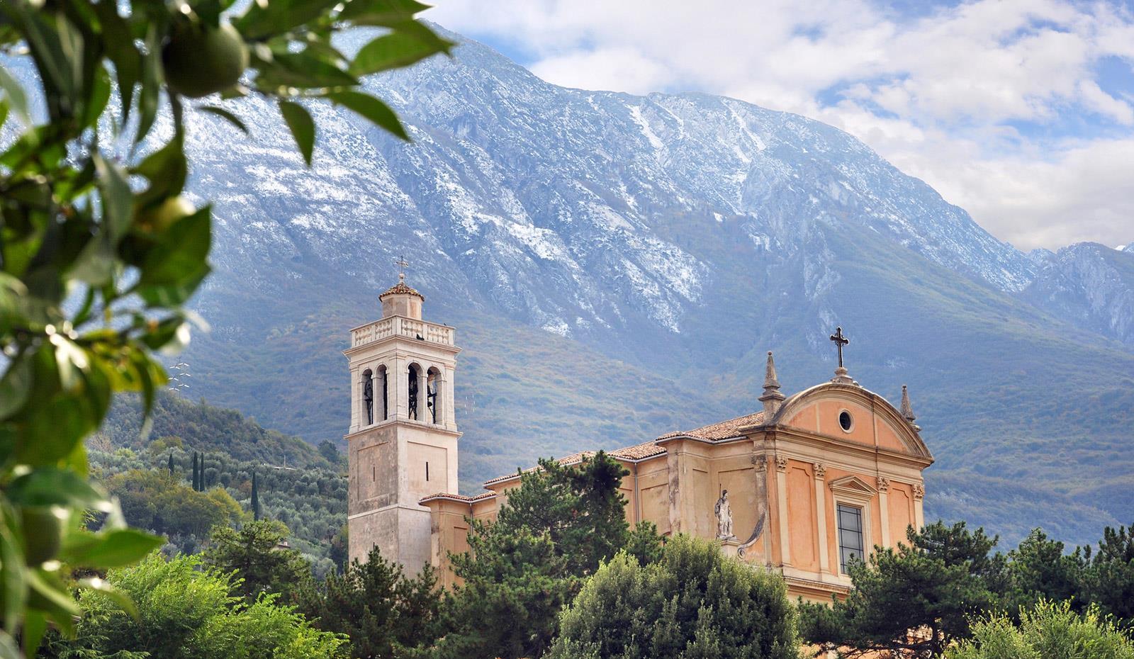 Italian Churces for Weddings in Gardalake